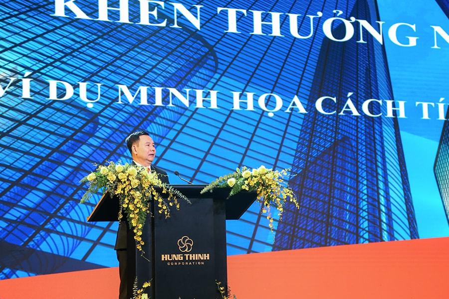 ong pham khac khoan cong bo chinh sach khen thuong 2019-min