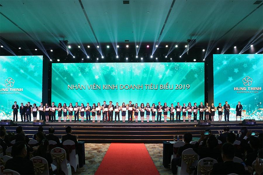 trao thuong nhan vien kinh doanh tieu bieu tong ket nam 2019