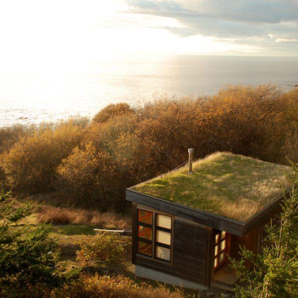 Một ngôi nhà nhỏ ven biển với tầm nhìn để thừa