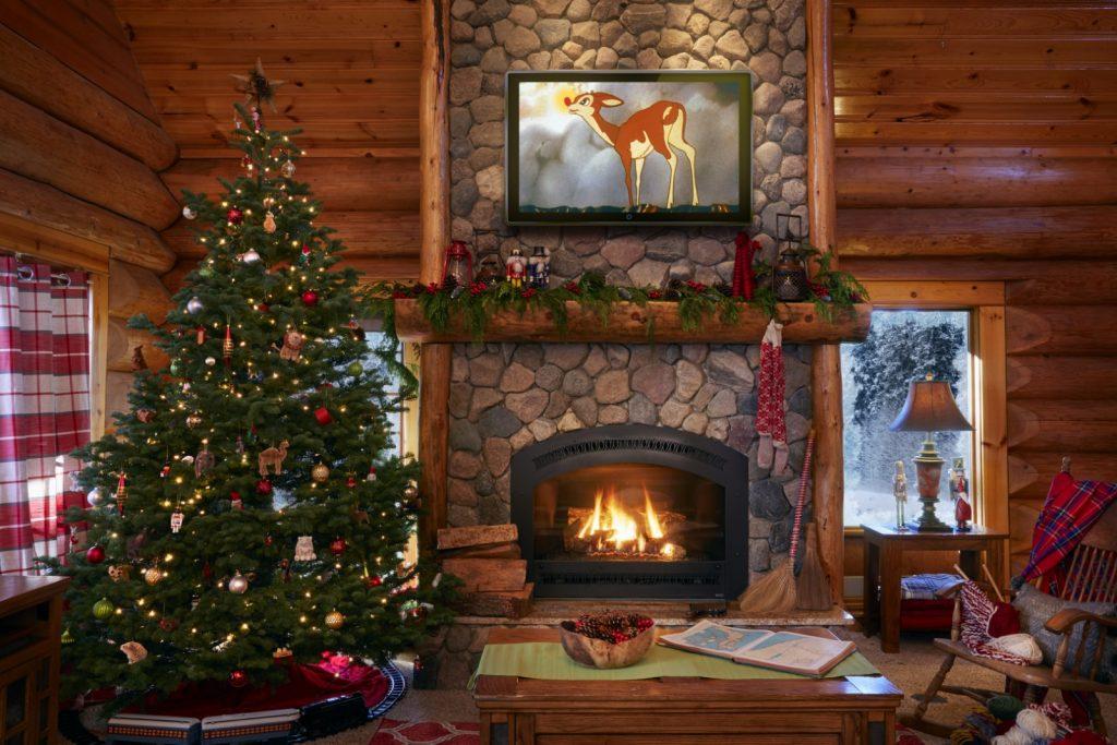 Lớp áo lò sưởi bên trong Nhà của ông già Noel