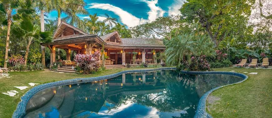 Nơi ẩn náu trên Đảo Nhiệt đới với Studio Nghệ thuật Riêng