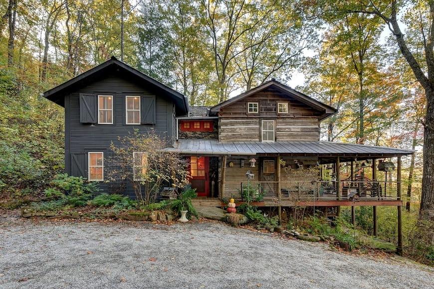 Cabin gỗ 200 tuổi vẫn còn cũ nhưng vẫn còn thời trang – Ngôi nhà của tuần