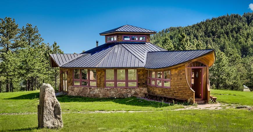 Khóa tu Thiền từ xa Nhìn ra Núi Rocky – Ngôi nhà của Tuần