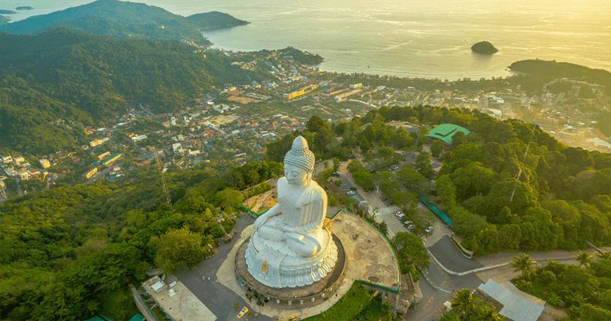 Khi Phuket chuẩn bị mở cửa trở lại, nhiều tài sản và nhà đầu tư để mắt