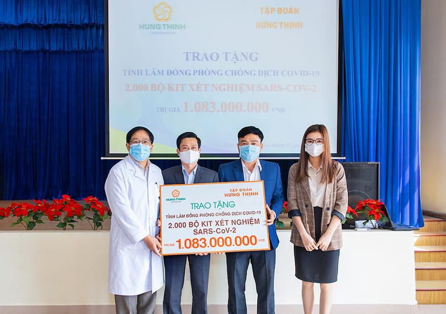 Tập đoàn Hưng Thịnh trao hỗ trợ tỉnh Lâm Đồng chống dịch