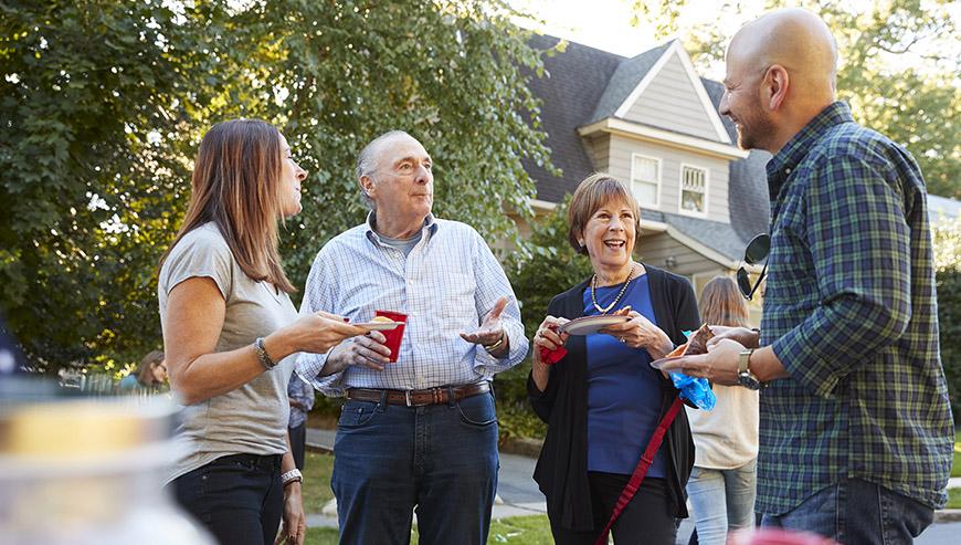 5 cách để làm quen với hàng xóm của bạn