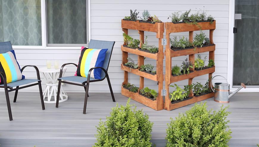 Làm thế nào để xây dựng khu vườn thẳng đứng của riêng bạn với pallet vận chuyển