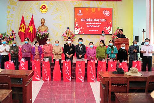 Trao tặng quà xuân yêu thương đến bà con tỉnh Bình Định và Khánh Hòa