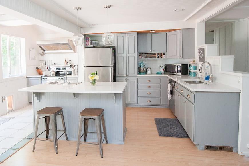 Làm thế nào để sơn tủ bếp của bạn một cách dễ dàng