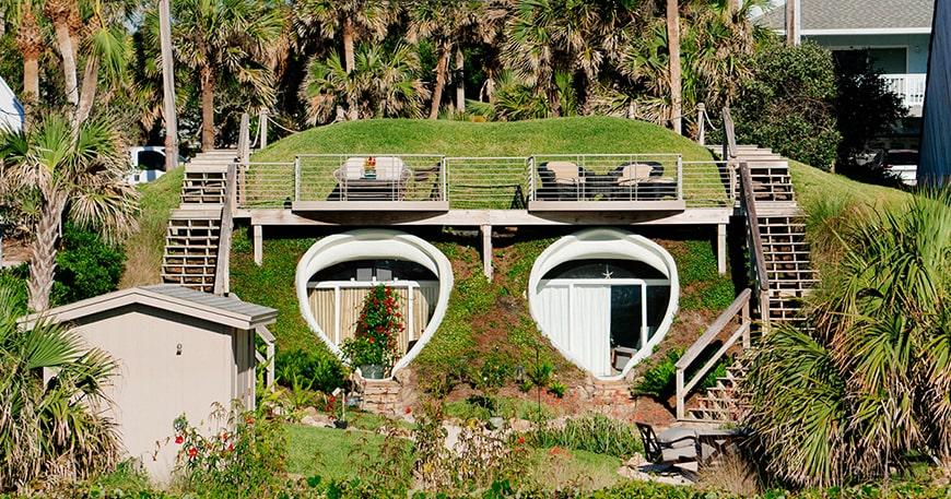 Một ngôi nhà ở Florida được xây dựng trong một cồn cát