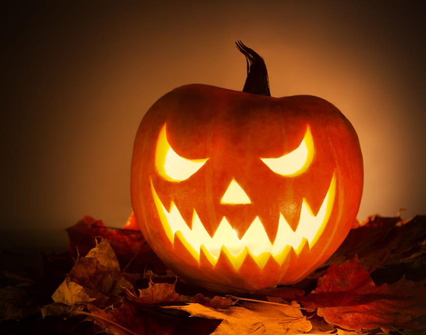 8 truyền thống Halloween được yêu thích trong quá khứ và hiện tại