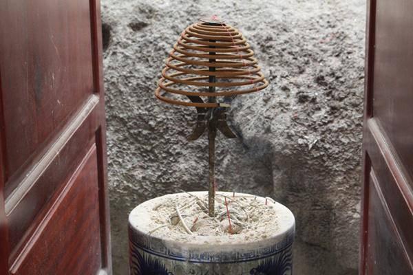 Cuối năm đặt hương vòng trên bàn thờ, thần linh quở trách, tài lộc tiêu tán - 4