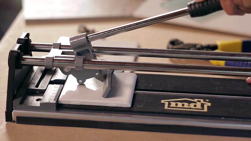 máy cắt thủ công