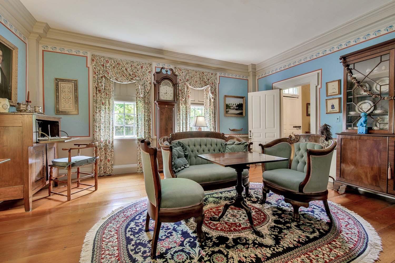 Ngôi nhà 233 tuổi với thiết kế cổ điển