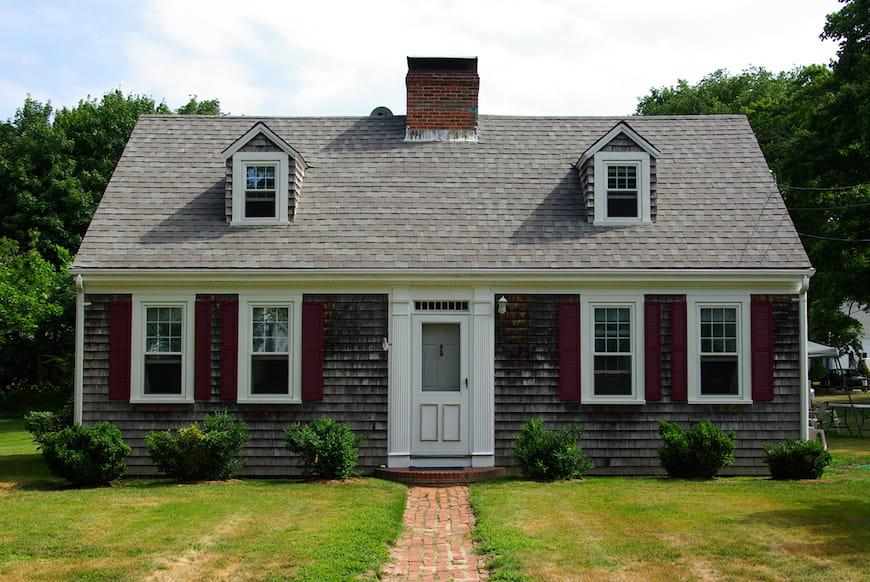 Tu sửa một ngôi nhà theo phong cách Cape Cod Truyền thống
